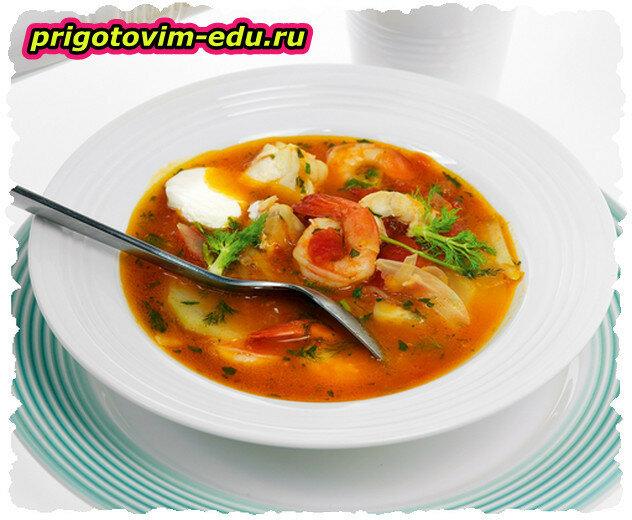 Рыбный суп с креветками и помидорами