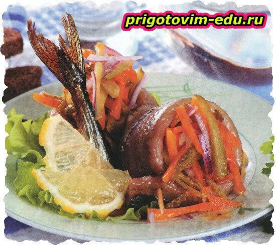 Рыбная закуска из сайры горячего копчения