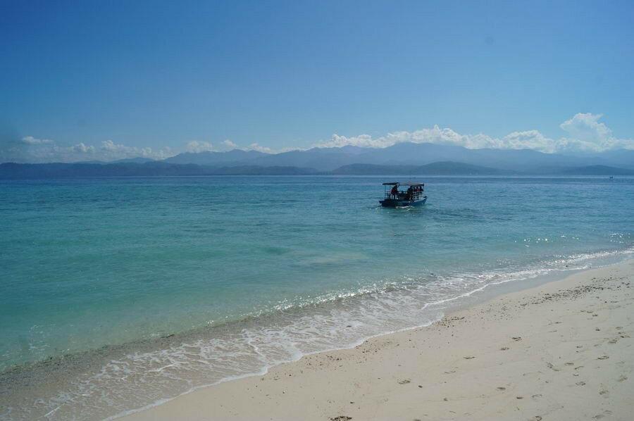 Пляж возле Prince John Dive Resort