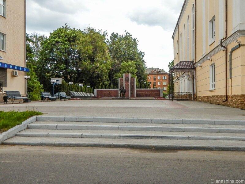 """Смоленск, Мемориал """"Солдатам правопорядка, погибшим при исполнении служебного долга"""""""