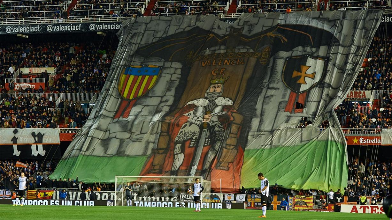 Soccer tifos / Гигантские баннеры футбольных болельщиков со со стадионов по всему миру - Valencia