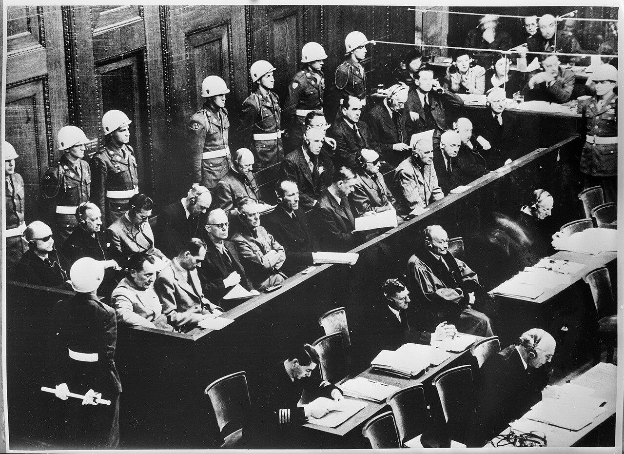 Бывшие лидеры 1000-летнего рейха на скамье подсудимых