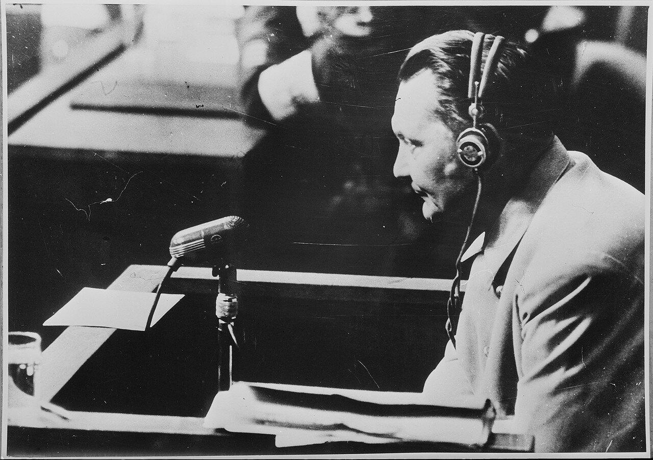 Подсудимый Герман Геринг дает показания