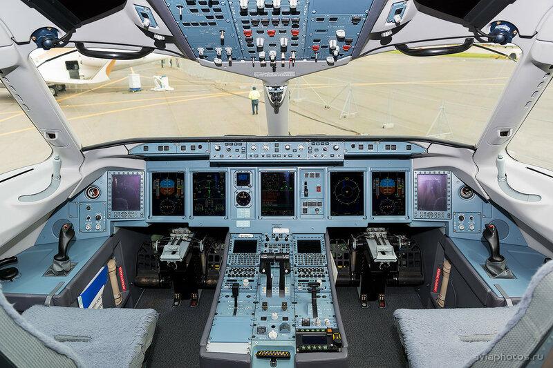 Сухой Superjet 100-95LR (RA-89067) МЧС D807530