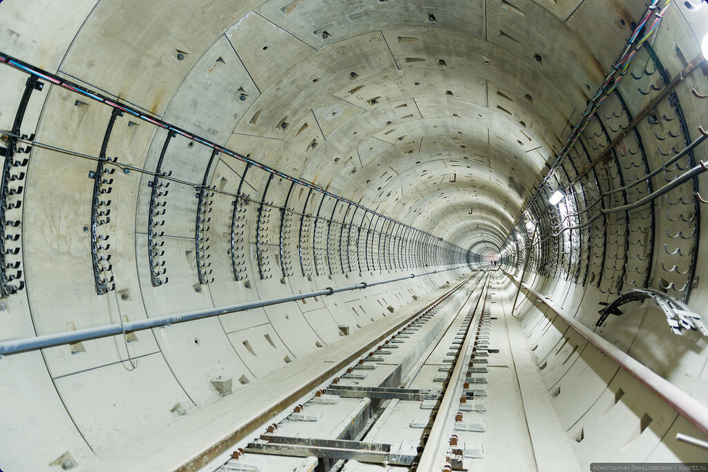 А это уже тоннель 1-го пути (правый перегонный тоннель)