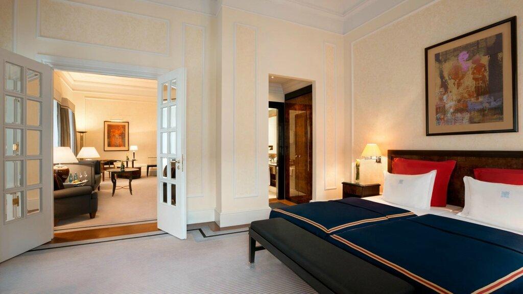 slider_hotel-taschenbergpalais-kempinski-dresden-regenten-suite-1.jpg