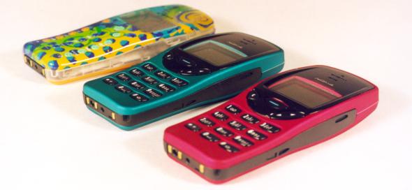 1999 год: Nokia 3210 стала первым мобильным телефоном как для многих взрослых, так и для подростков.