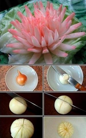 Невероятно пышный цветок из пекинской капусты.