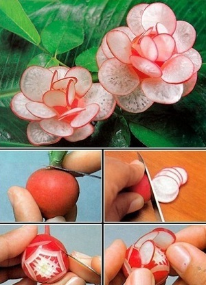 Из огурца и краснокочанной капусты получится роза.
