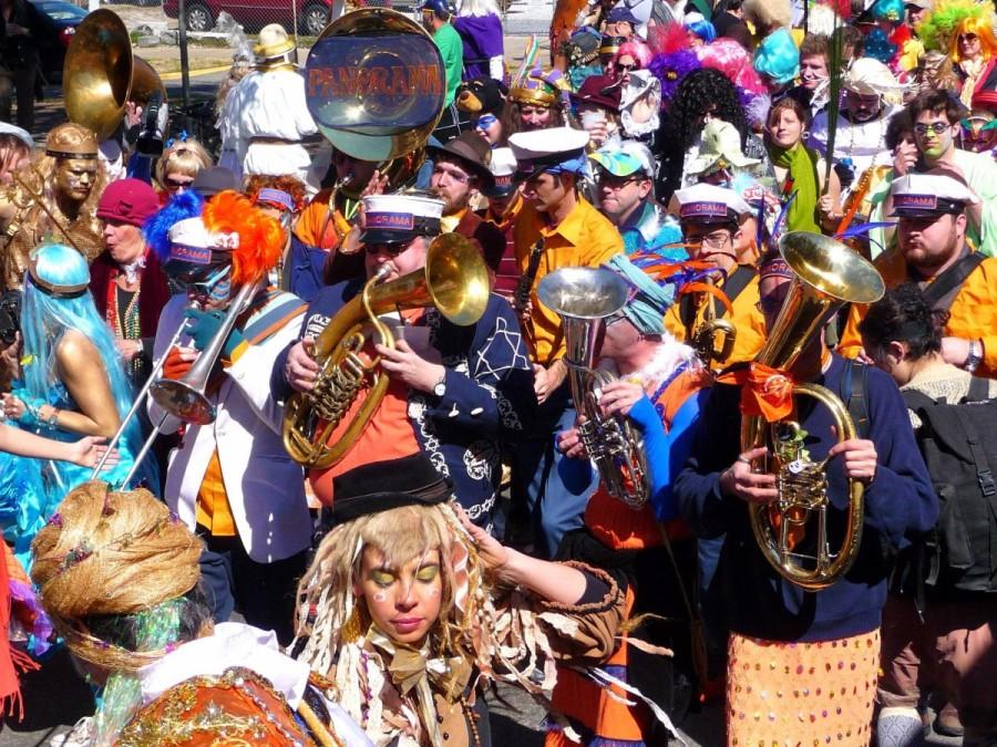 21. Одной из самых великолепных крупномасштабных вечеринок с парадами, костюмами и декорациями, счит