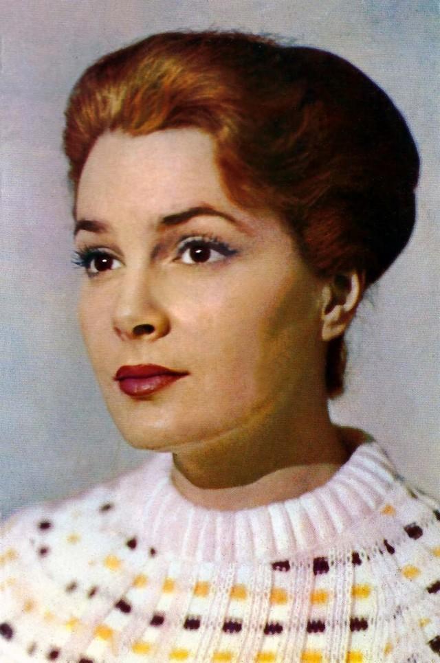 Элина Быстрицкая В рейтингах самых красивых советских актрис Элина Быстрицкая — на первом месте.