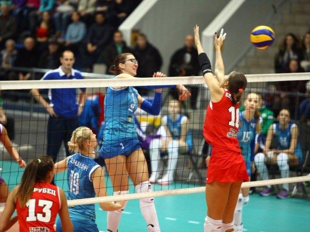 «Уралочка-НТМК» одержала победу надомашней арене