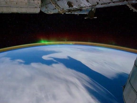 «Роскосмос» объявил набор космонавтов для полета кЛуне