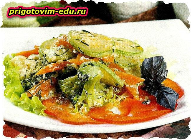 Овощное ассорти с брокколи и кольраби