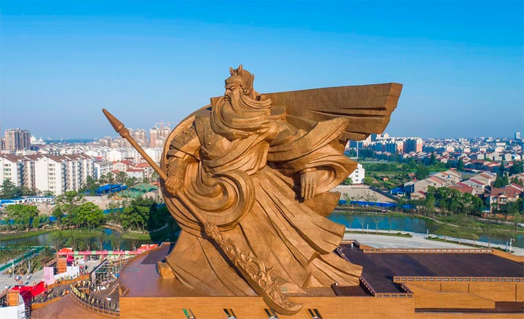 China - A impressively massive statue to celebrate the god of war