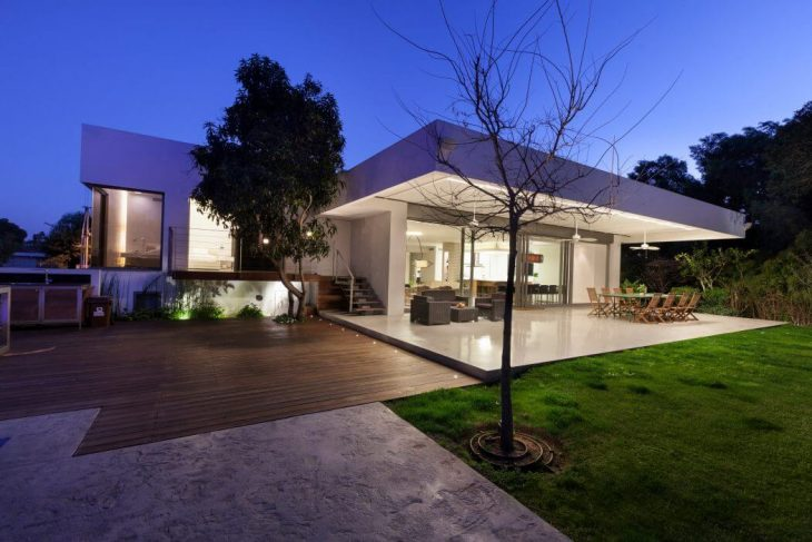 House in Savyon by Dror Barda Architects (11 pics)