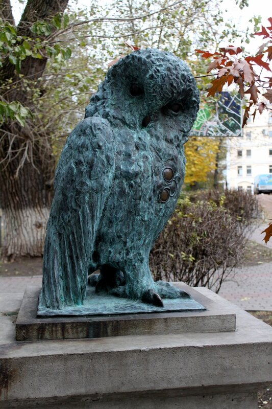 Скульптура совы