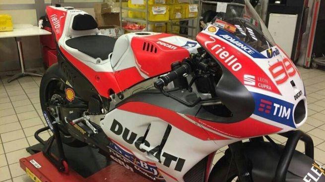 Шпионское фото Ducati GP17 #99 Хорхе Лоренцо