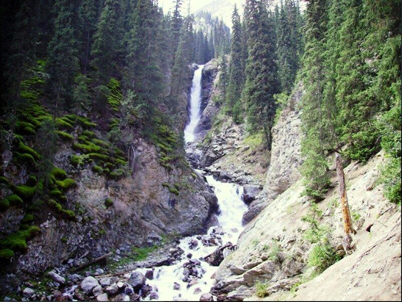 Водопад «Слёзы барса» в ущелье Барскоон, фото 2008 Kyrgyzstan_Barskaun_Waterfall_001 - копия.jpg
