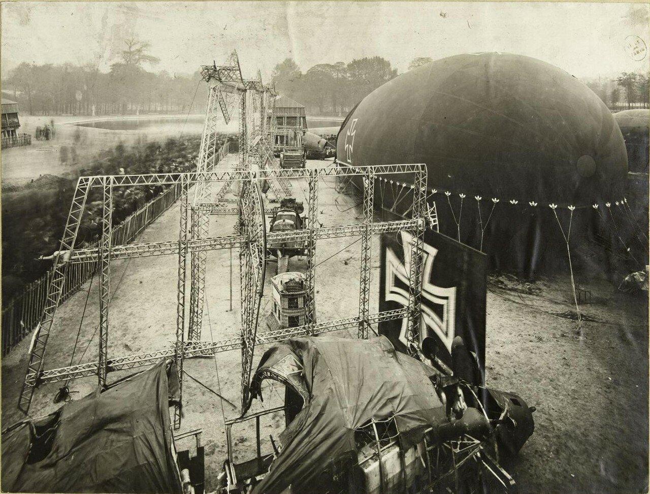 1918. Площадь Согласия. Немецкие дирижабль и «колбаса»