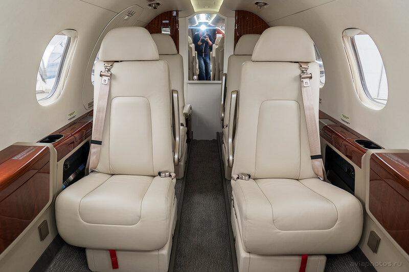 Embraer 505 Phenom 300 (N545EE) D807632