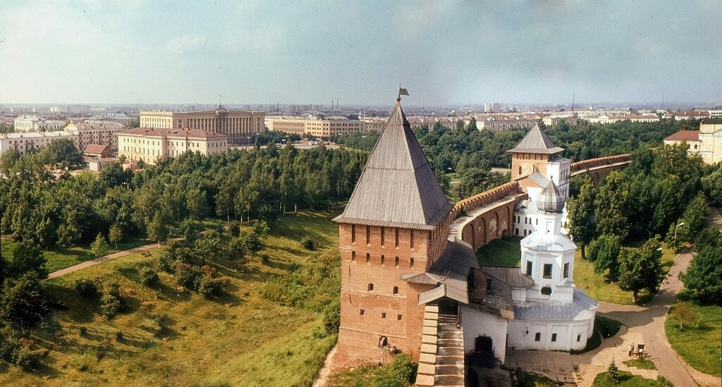 1977 год. Вид с башни Кокуй на центр города.jpg