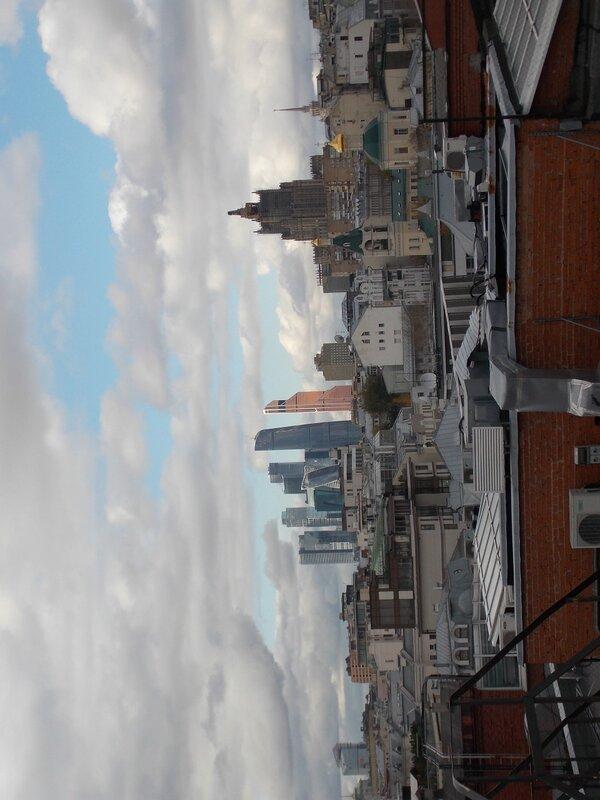 Три стиля: Сити, сталинская высотка и храм Ильи Обыденного