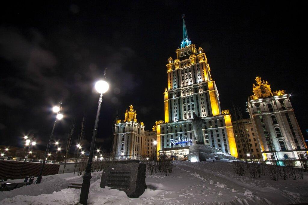 гостиница украина ночью зимой