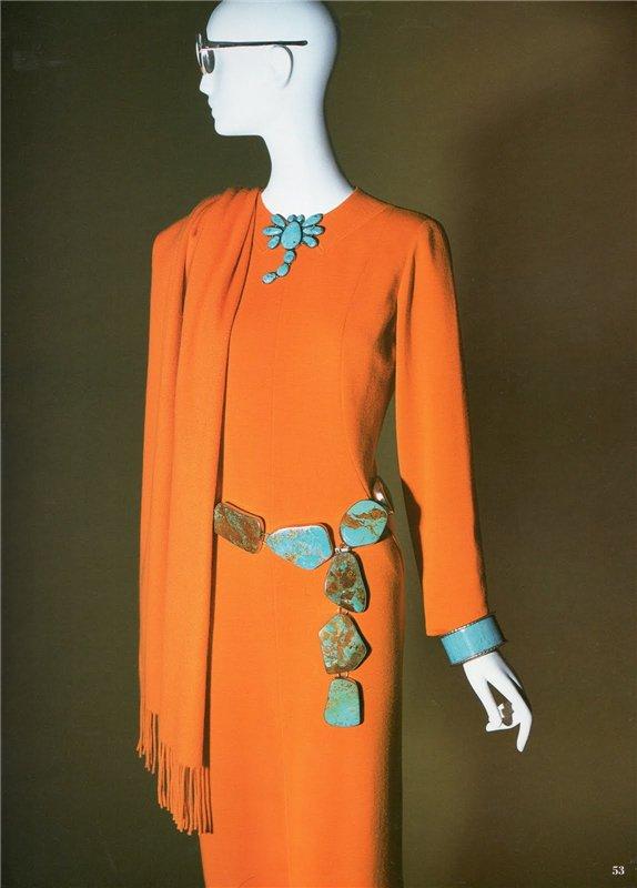 9. В 2005 году в Музее Моды состоялась выставка, темой которой стал её гардероб.