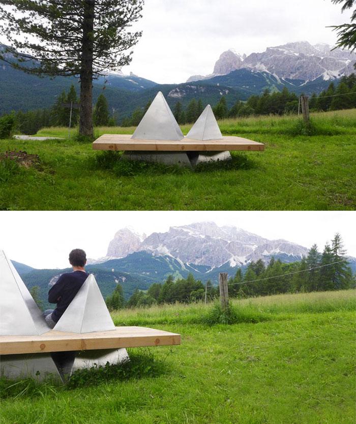 Для этой скамейки вдохновением послужили горы.