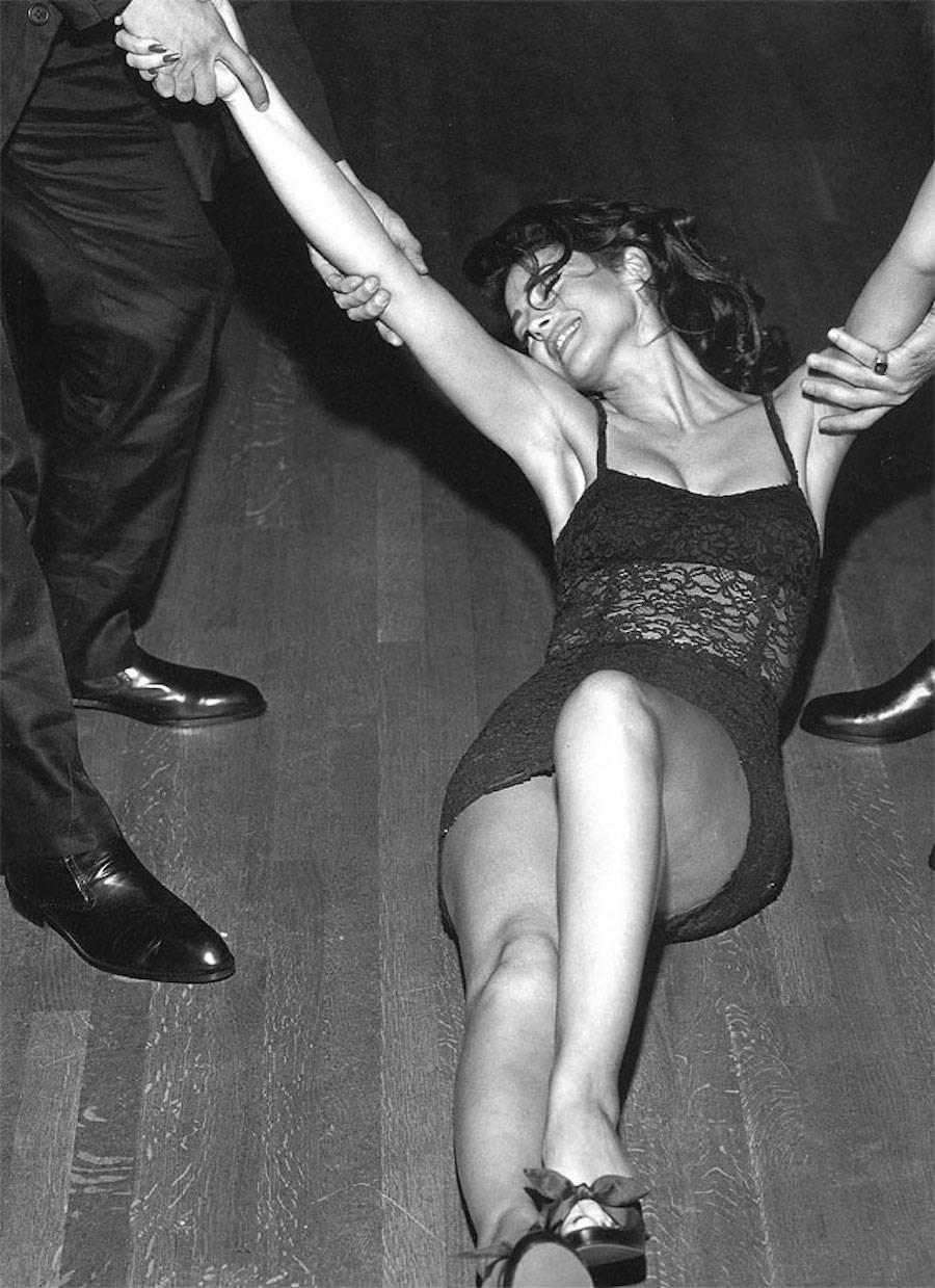 Фотомодель в съемке для коллекции Dolce&Gabbana, 1992 год.