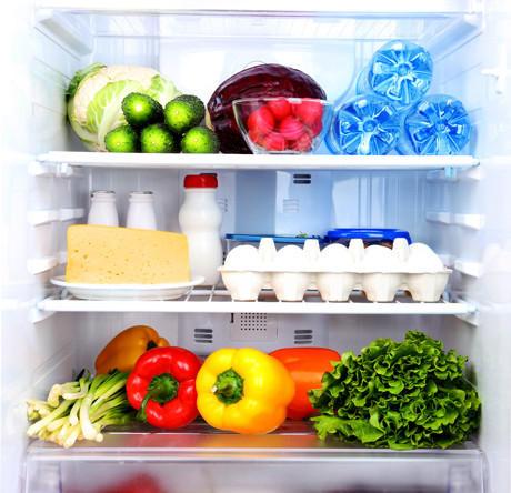8. Помогут освежить холодильник Чтобы избавиться от неприятного запаха в холодильнике, достаточно вс