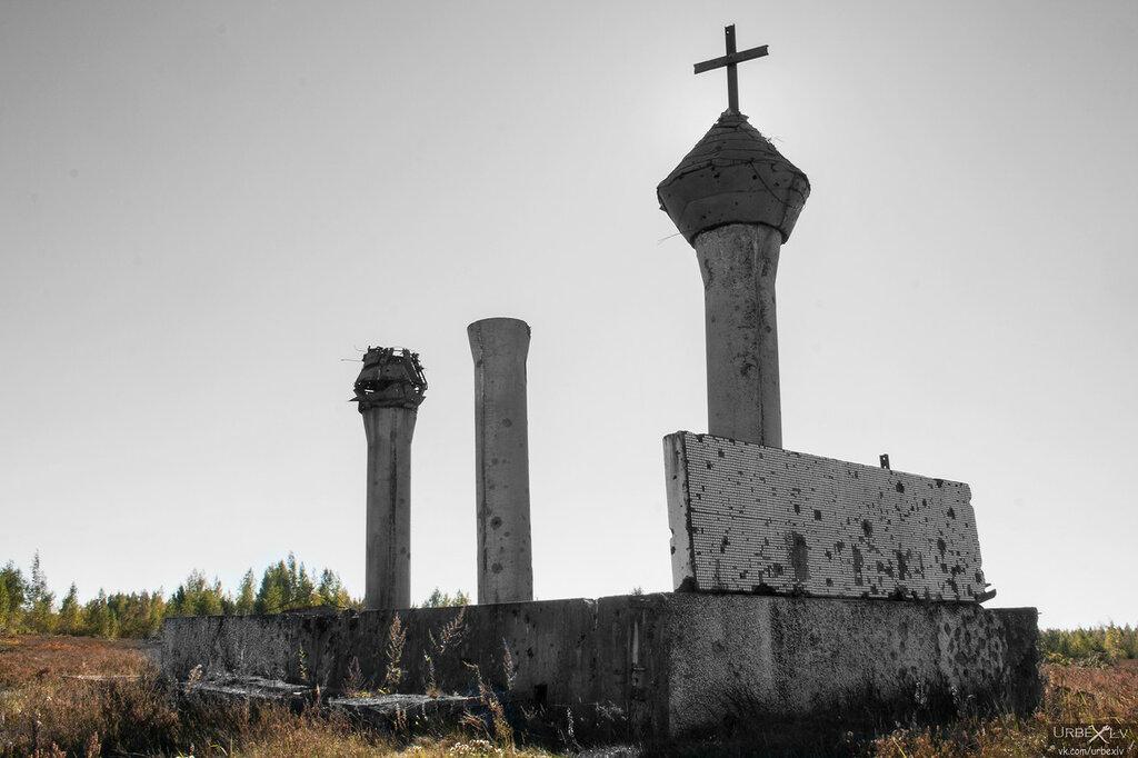 чёрно белая церковь.jpg
