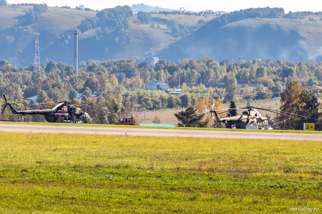 Военные Ми-8 в Горно-Алтайске