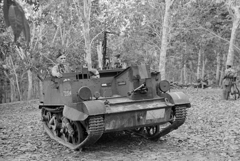 Malaysia_soldiers_riding_in_tank_through_jungle_during_Malayan_Emergency (2).jpg