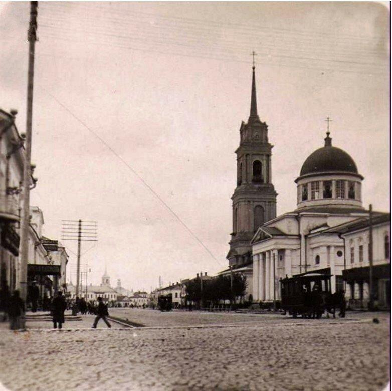 Посольская улица и Спасская церковь