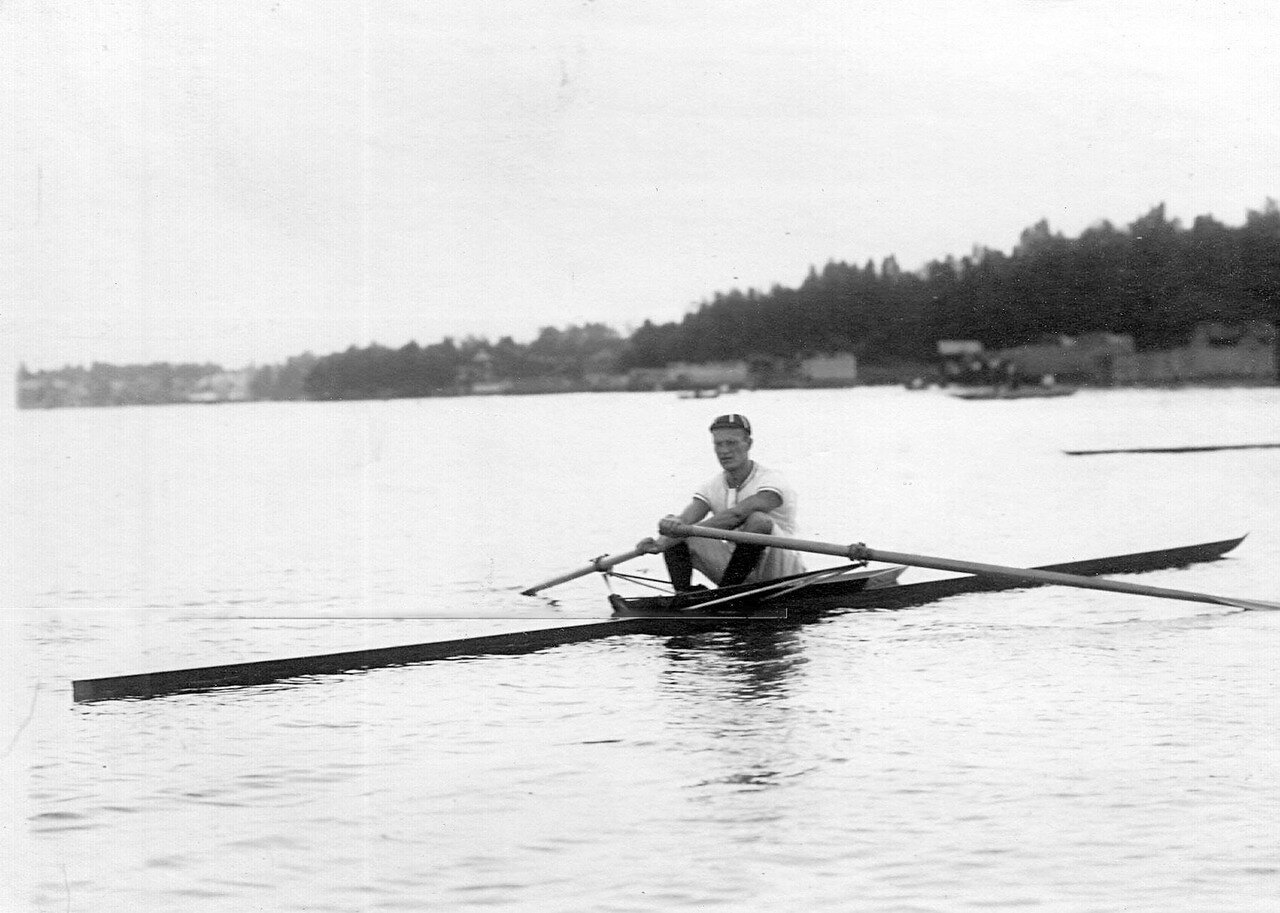31. Лодка на озере