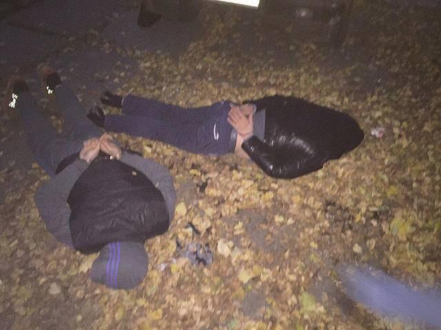 СБУ задержала в Киеве 2 мужчин, пытавшихся продать 20 тысяч фальшивых долларов за полцены. ФОТО