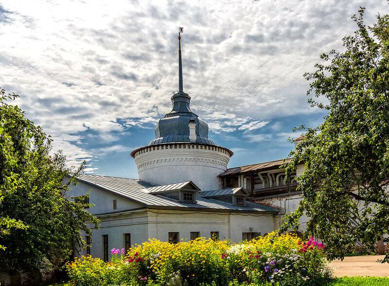 Богоявленская башня Ярославского кремля