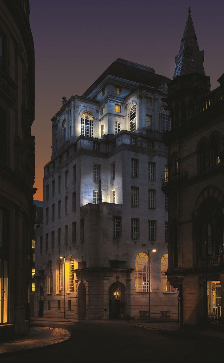 Отель Gotham: мистический и стильный (9 фото)