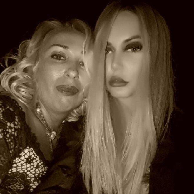 Маша Малиновская тоже славится своей нежной любовью к фотошопу. Недавно она выложила селфи, от котор