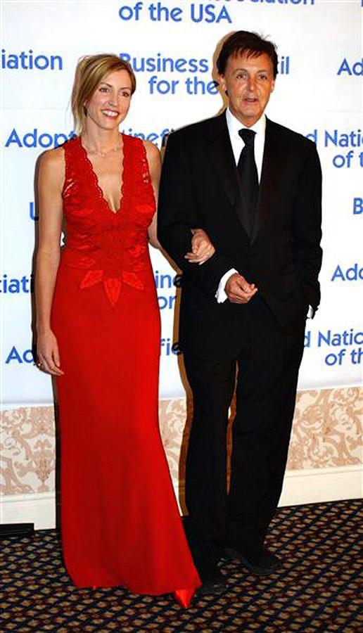Второй женой Пола была Хизер Миллс. Весной 1999 года Пол и Хизер пережили необычный и скоротечный ро