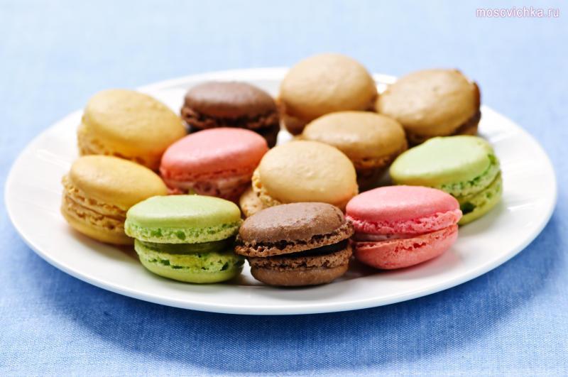 Ингредиенты Для печенек: 150 гр. миндальной муки 300 гр. сахарной пудры 110 гр. состаренных яичн