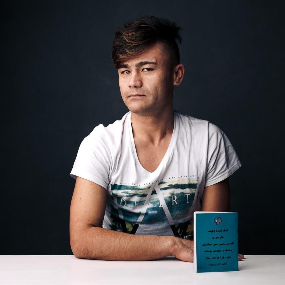 Назим, 26 лет, сбежал из Афганистана в 2011 году. «Пять лет назад мне пришлось уехать из Афганистана