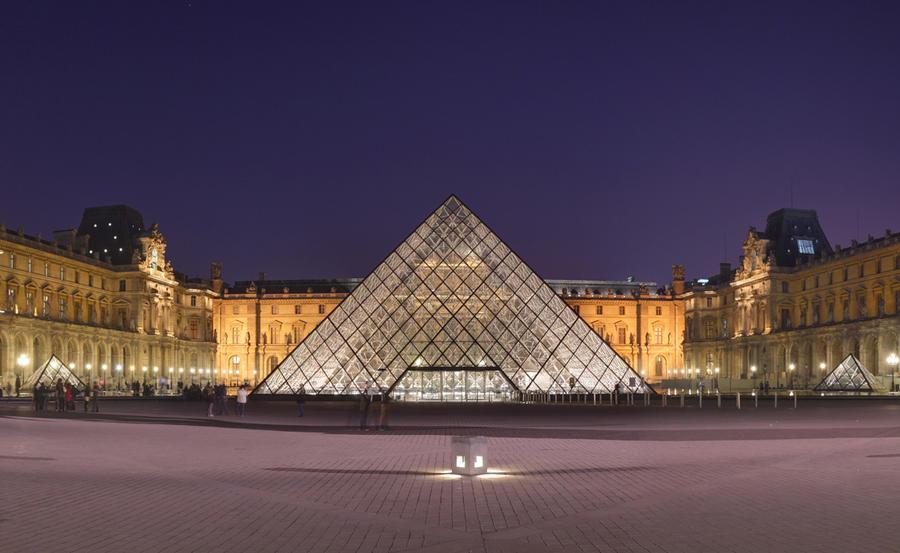 1. Лувр Прекрасный, известный на весь мир музей. Здесь, помимо прочих богатств, нашла пристанище зна