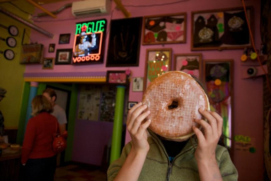 9. Конкурс пончиков вуду Пончики очень любят во всем мире, а особенно в США. Именно поэтому в одном