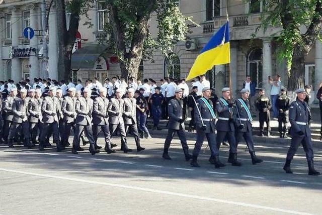 Напараде вчесть Дня независимости Молдавии милиция применила слезоточивый газ