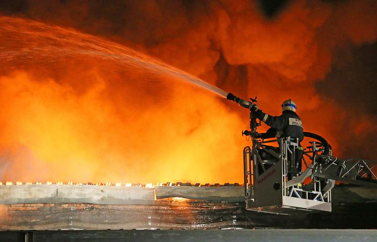 Всгоревшем помещении склада в российской столице небыло системы пожаротушения