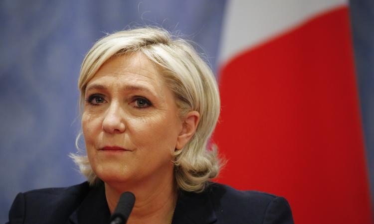 ЛеПен хочет вернуть Франции национальную валюту
