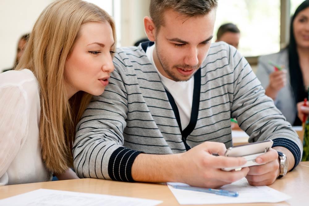 Какой смартфон выбрать для старшеклассника